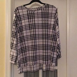 Black and white Houndstooth plaid blouse 3X